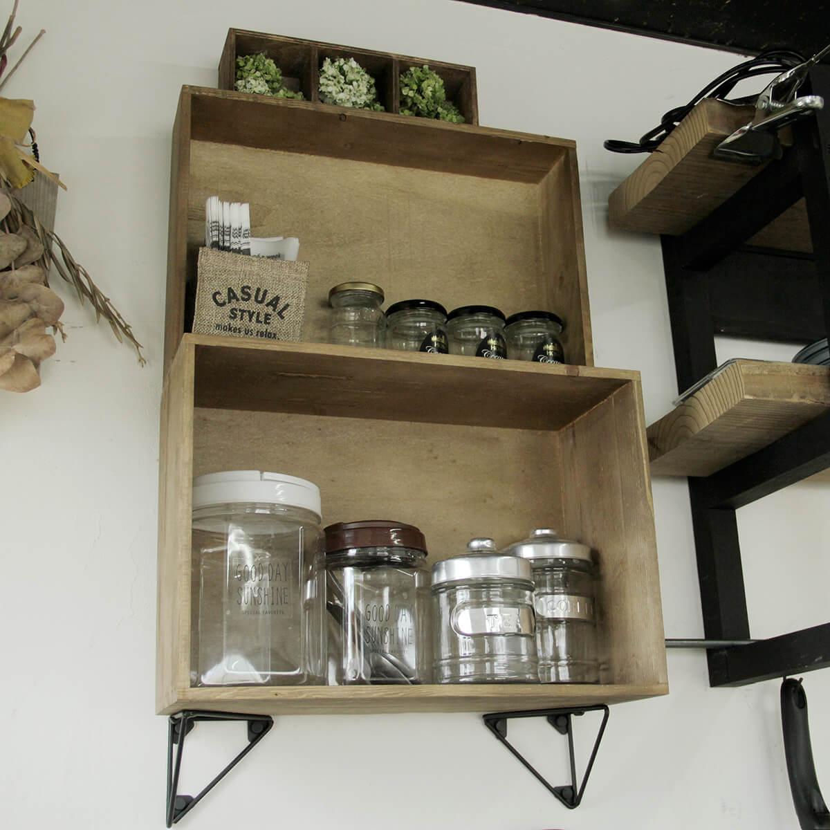木箱で壁収納
