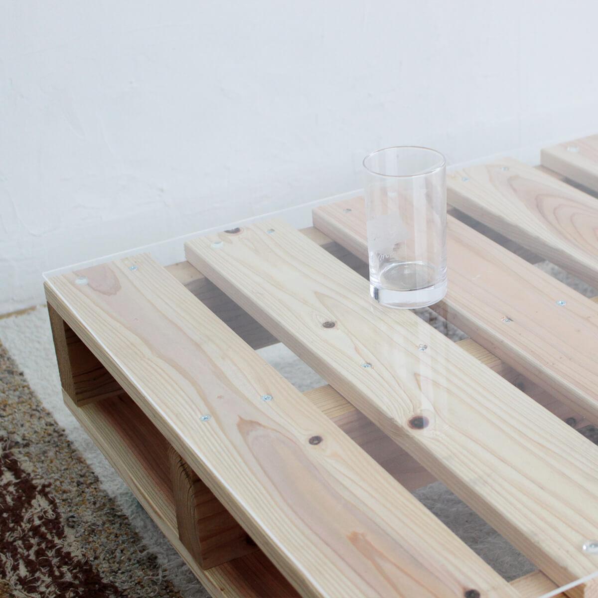 パレットでナチュラルかっこいいローテーブル