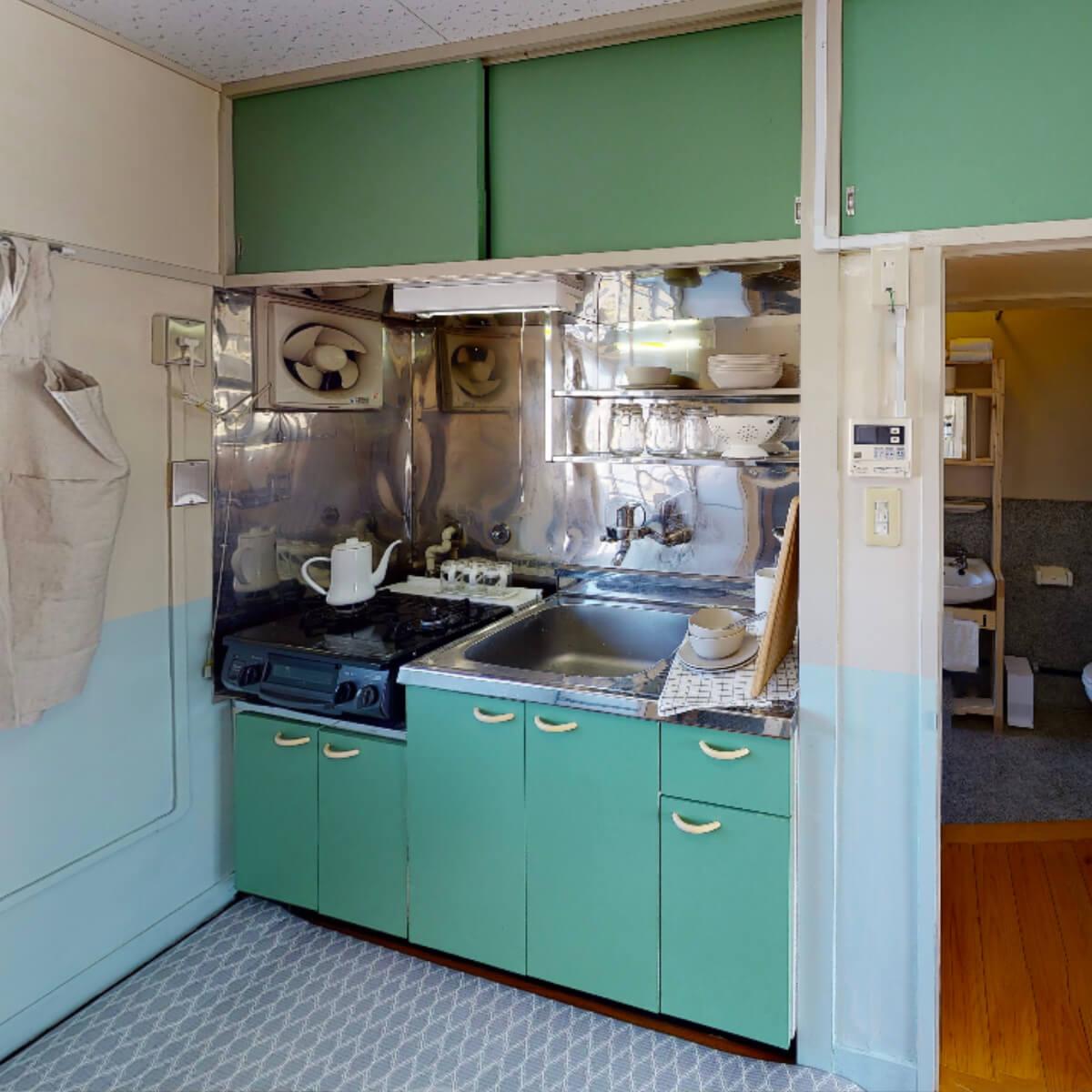 キッチン扉のペイントリメイク(グリーン)